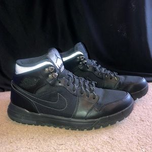 Nike Air Jordan 1 Trek Black, size 10.5